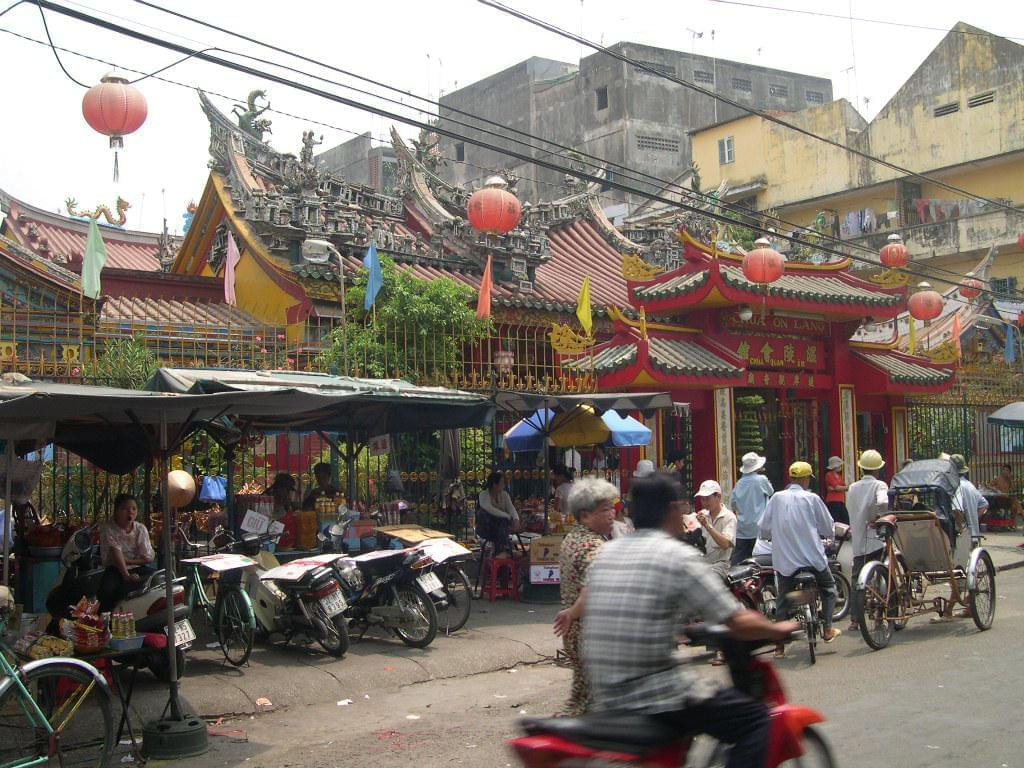 rencontre ho chi minh ville Hô chi minh-ville - binh duong province is quite famous for its traditional handicraft villages throughout the province and fito museums ho chi minh city, vietnam.