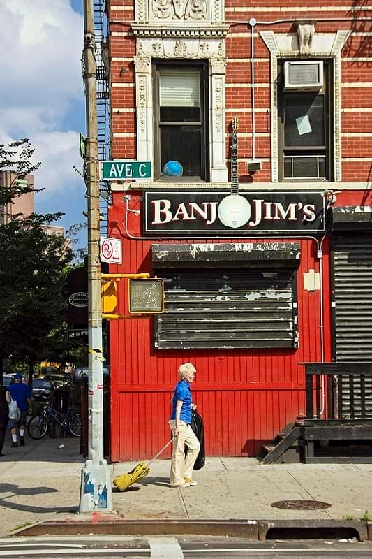 New York. East Village. Avenue C. Banjo Jim's