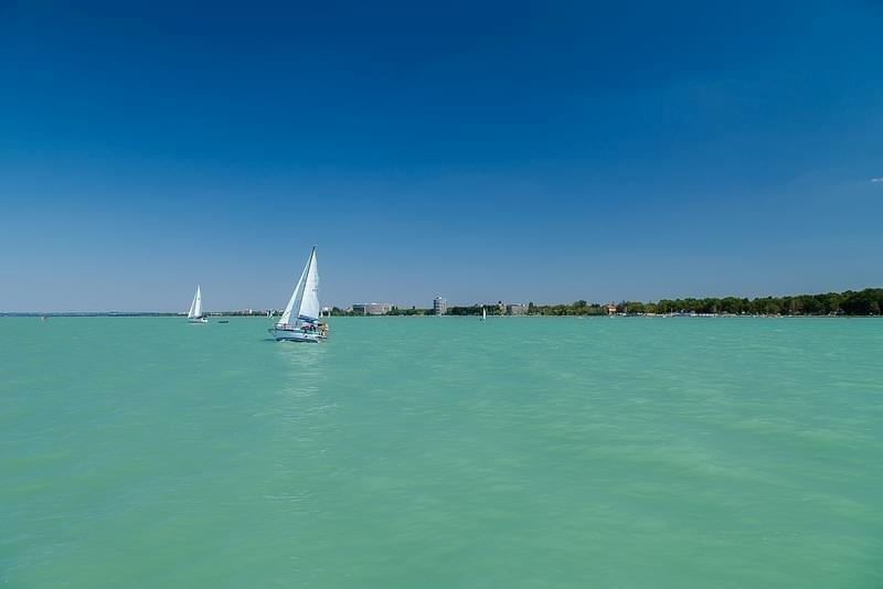 Lac lake Balaton Hongrie Hungary Siofolk photo picture image