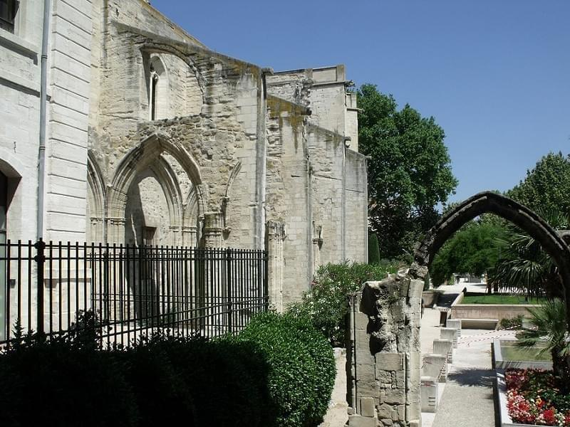 Rue de la Republique, Avignon - ruins - Temple Saint Martial