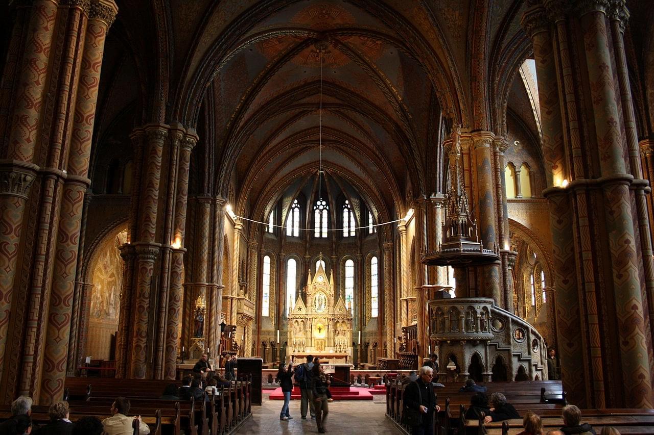 L'intérieur de l'église Mathias