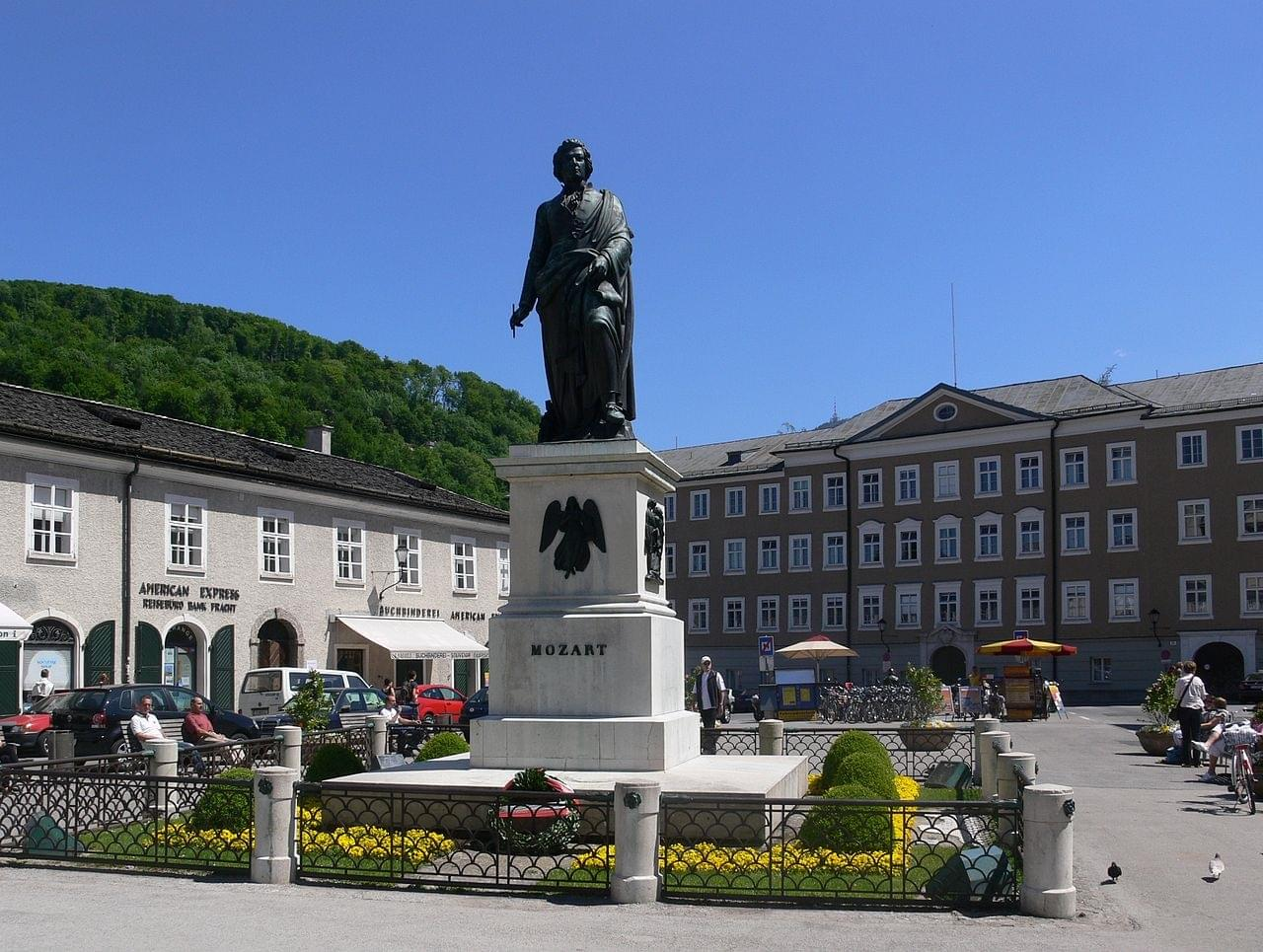 The statue of Mozart