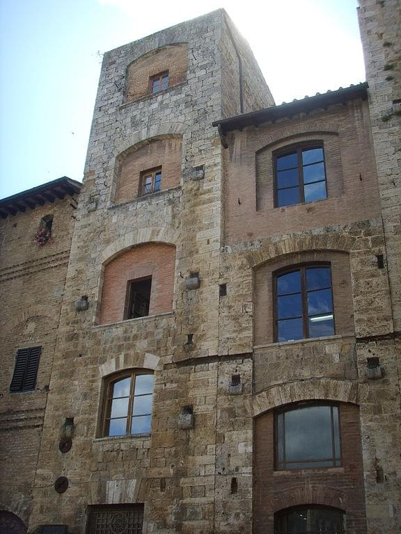 The two towers of the family Ardinghelli