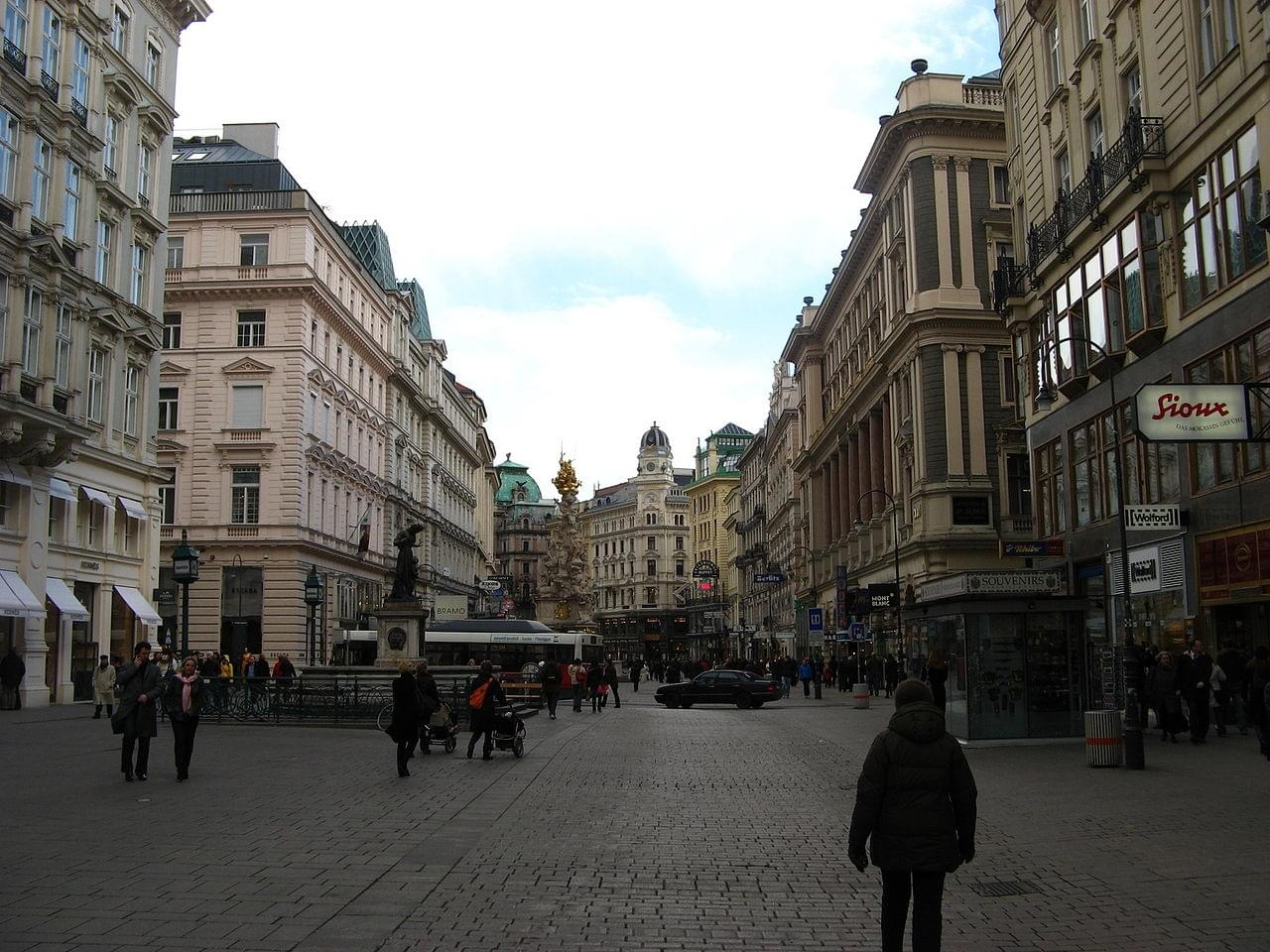 The long square Graben