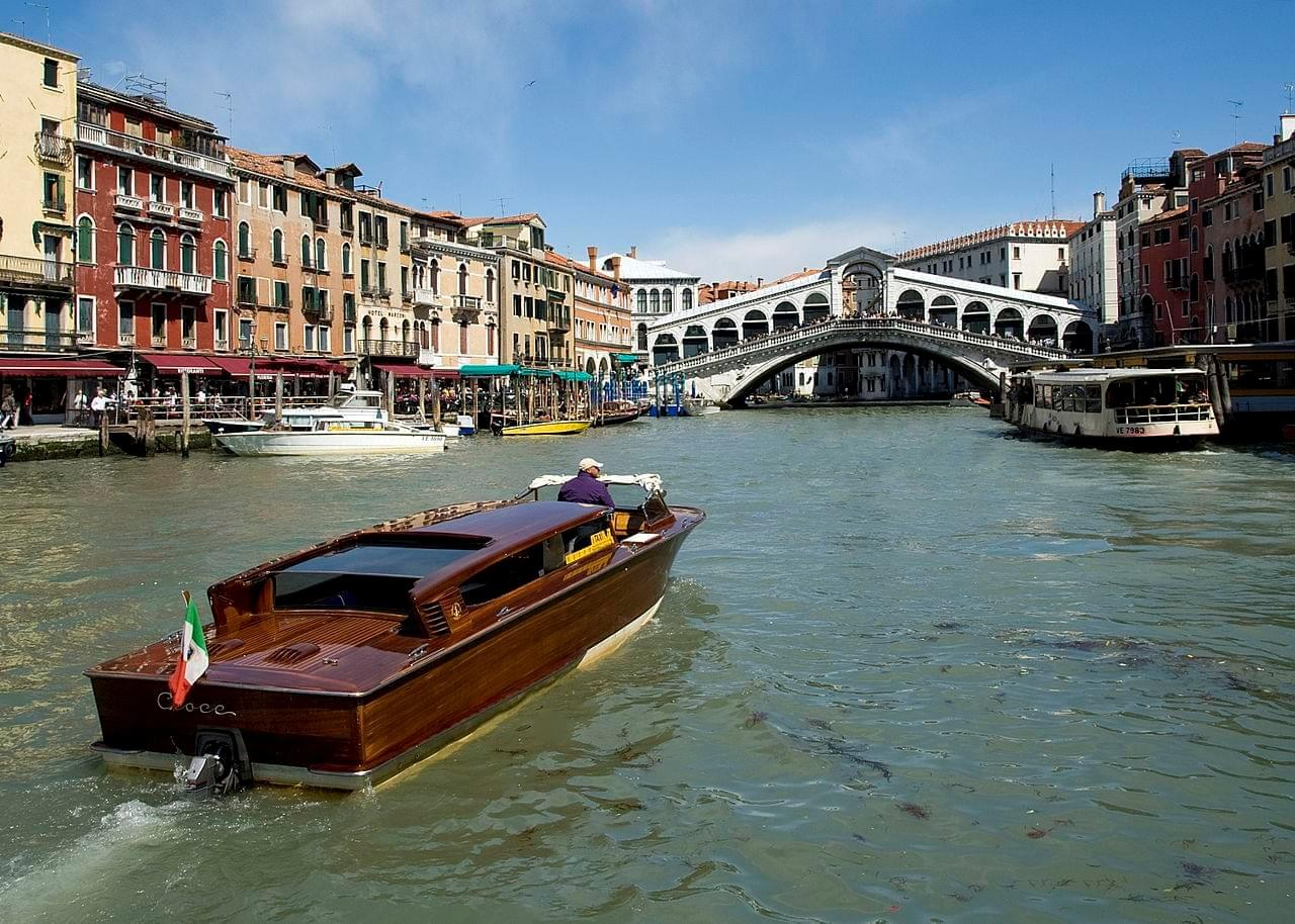 Photo Grand canal en bateau
