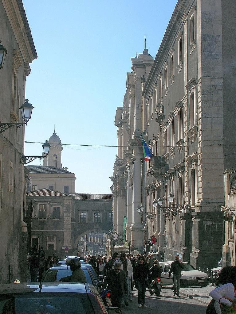 La Via Crociferi