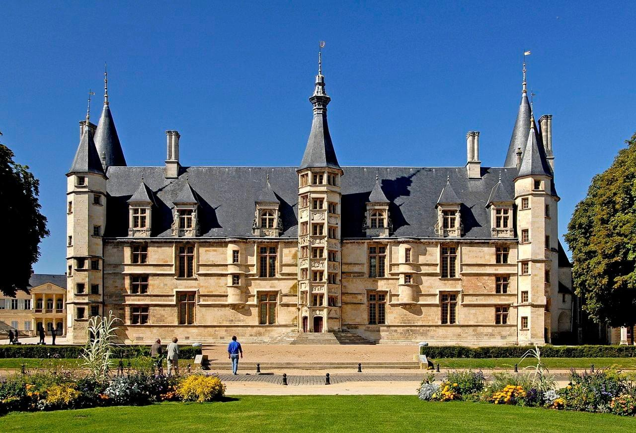 Palais ducal de Nevers