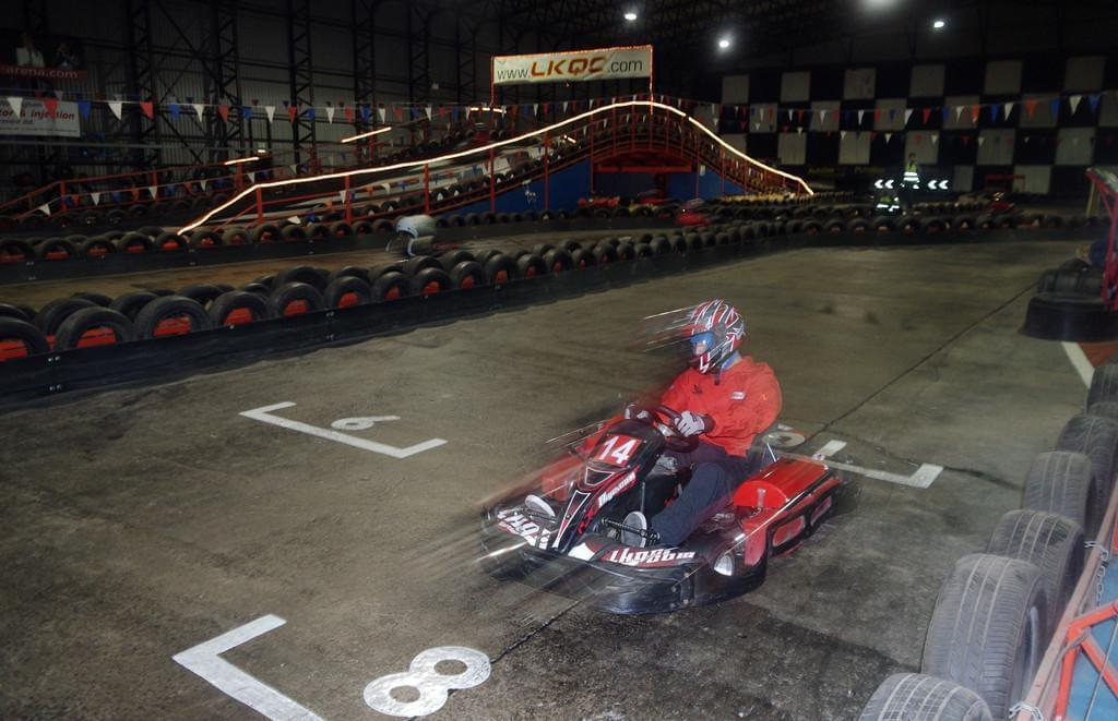 Photo Faire un tour de karting à Marseille