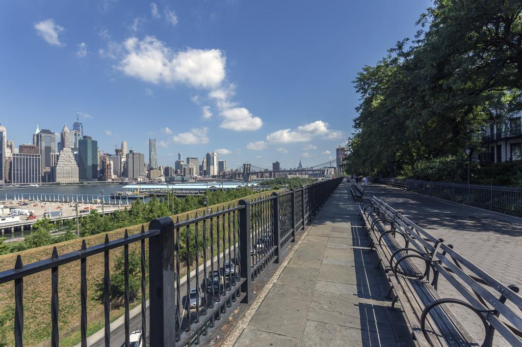 Photo Brooklyn Heights Promenade, la balade qui dévoile un point de vue magique sur Manhattan (Brooklyn,