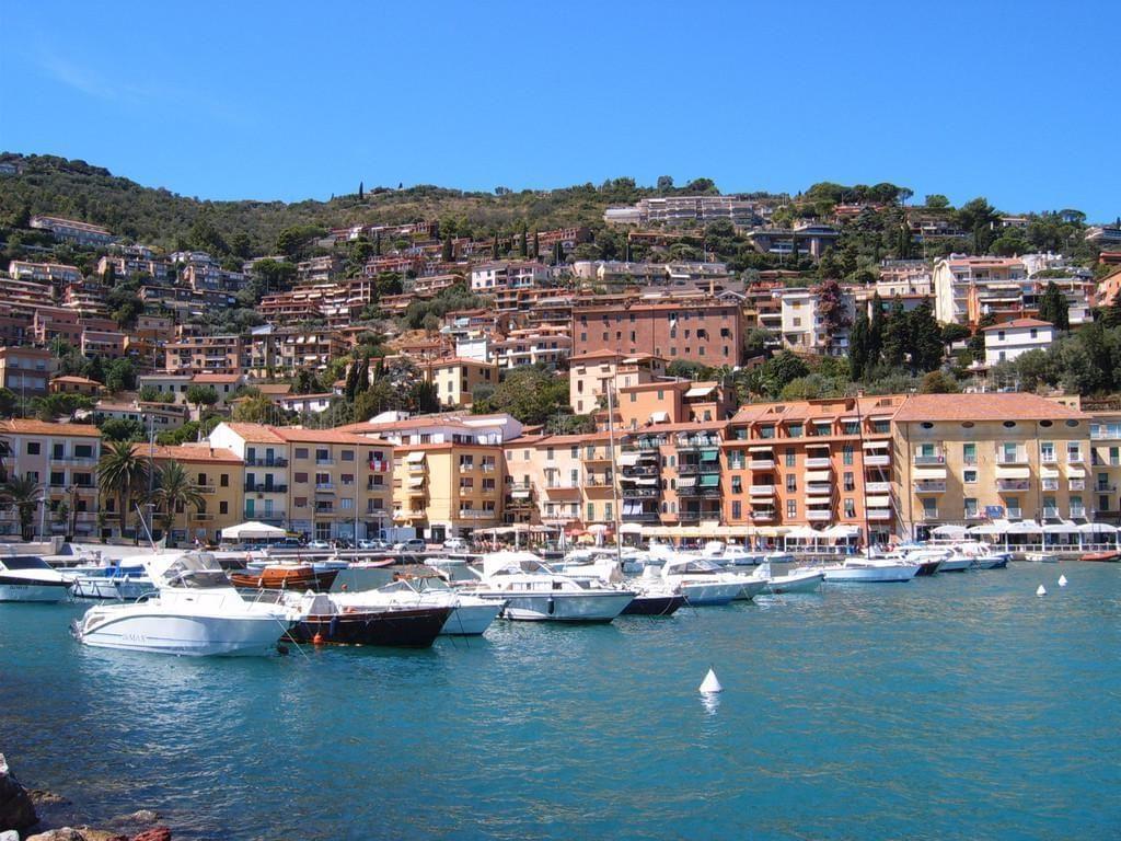 Photo La marina de Porto Santo Stefano