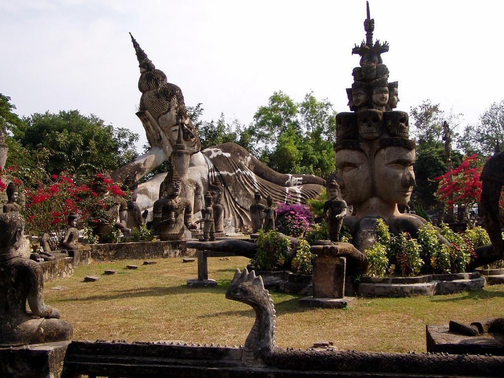 Photo Visiter le parc des Buddha à Vientiane.