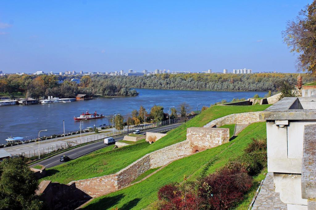 Photo Le quartier de Üsce, à la confluence du Danube et de la Save à Belgrade