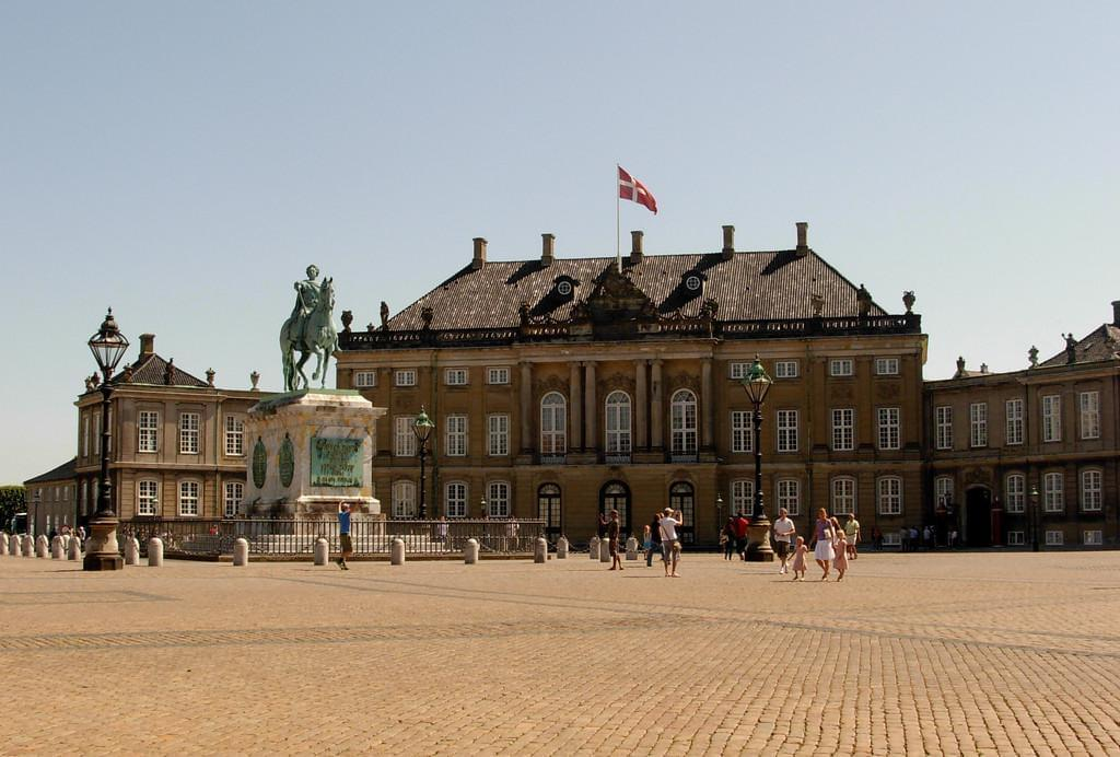 Photo Le château de Amalienborg, résidence royale à Copenhague